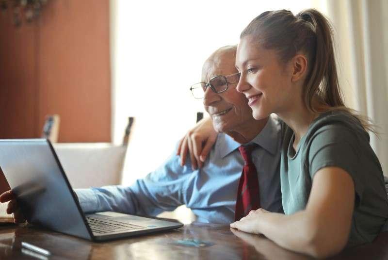 Pomoč starejšim - računalništvo